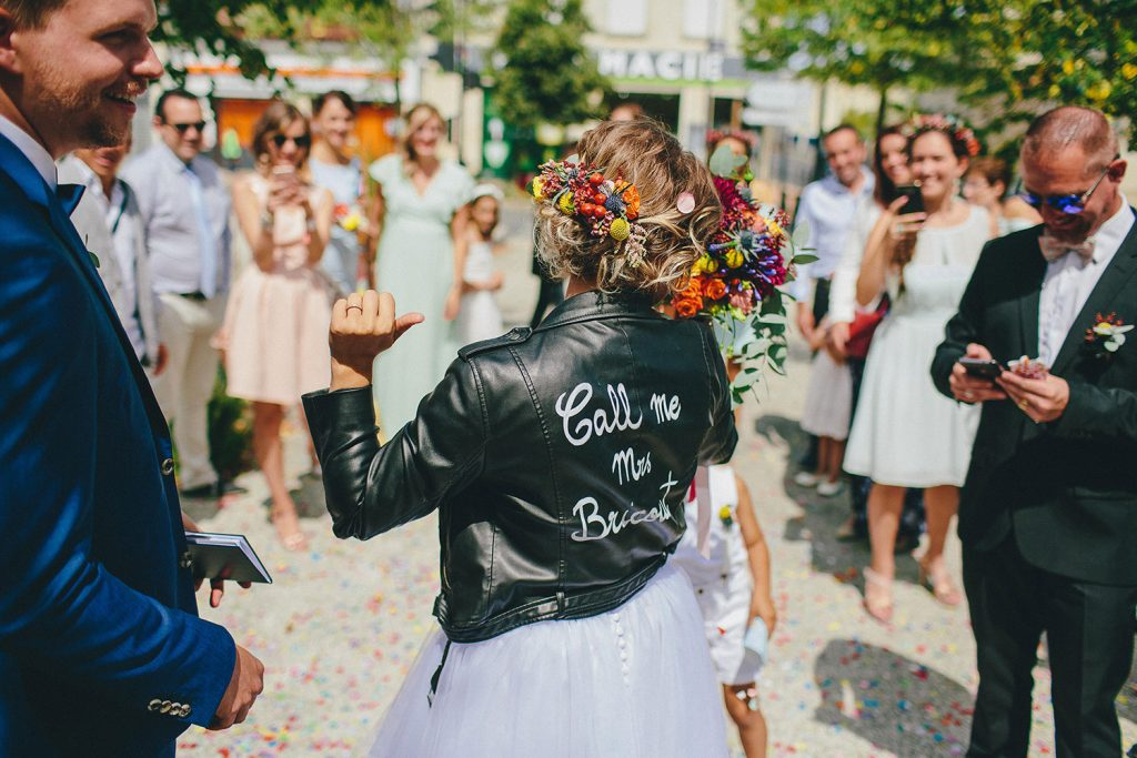 coiffure-de-mariee-avec-couronne-de-fleurs